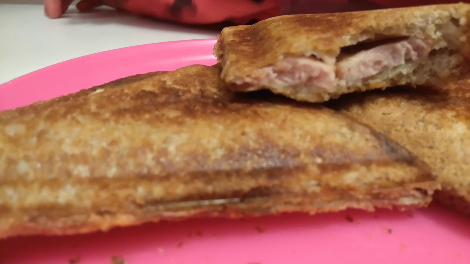 tost z parówką